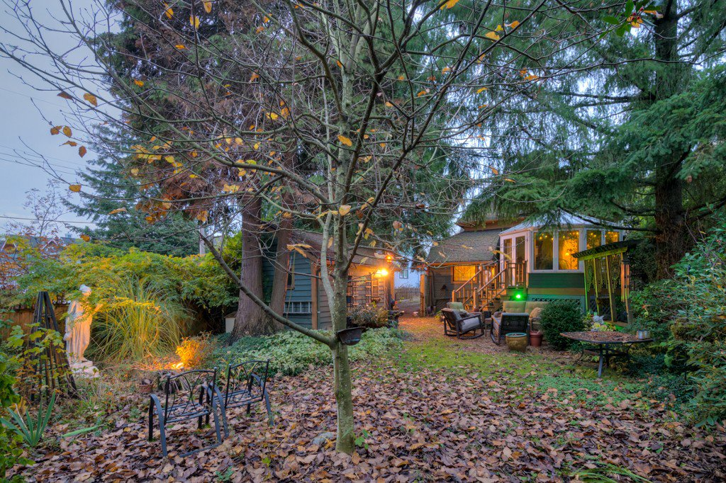 "Photo 88: Photos: 214 FOURTH Avenue in New Westminster: Queens Park House for sale in ""QUEENS PARK"" : MLS®# R2136258"