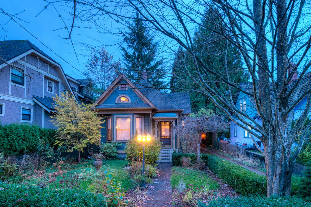 "Photo 99: Photos: 214 FOURTH Avenue in New Westminster: Queens Park House for sale in ""QUEENS PARK"" : MLS®# R2136258"