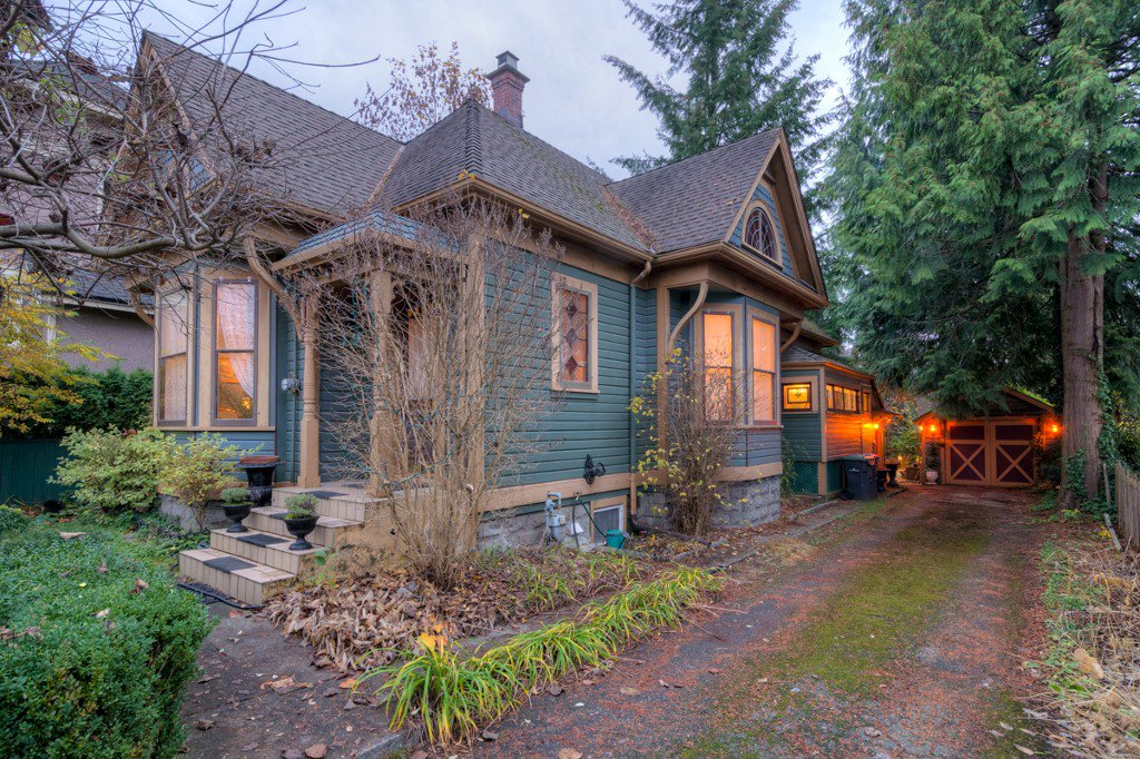 "Photo 94: Photos: 214 FOURTH Avenue in New Westminster: Queens Park House for sale in ""QUEENS PARK"" : MLS®# R2136258"