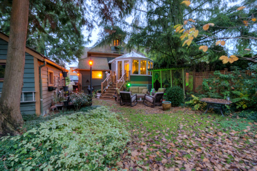 "Photo 91: Photos: 214 FOURTH Avenue in New Westminster: Queens Park House for sale in ""QUEENS PARK"" : MLS®# R2136258"