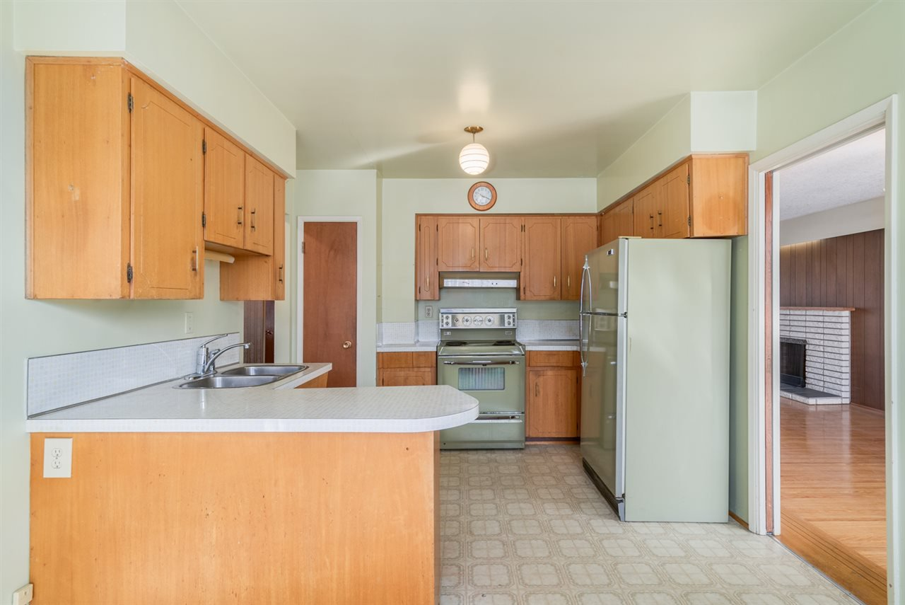 """Photo 6: Photos: 1244 E 23RD Avenue in Vancouver: Knight House for sale in """"Cedar Cottage"""" (Vancouver East)  : MLS®# R2157171"""