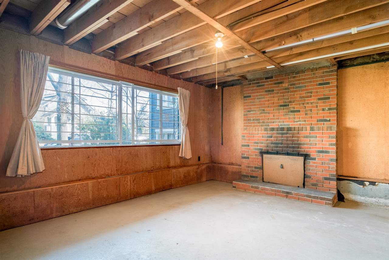 """Photo 15: Photos: 1244 E 23RD Avenue in Vancouver: Knight House for sale in """"Cedar Cottage"""" (Vancouver East)  : MLS®# R2157171"""
