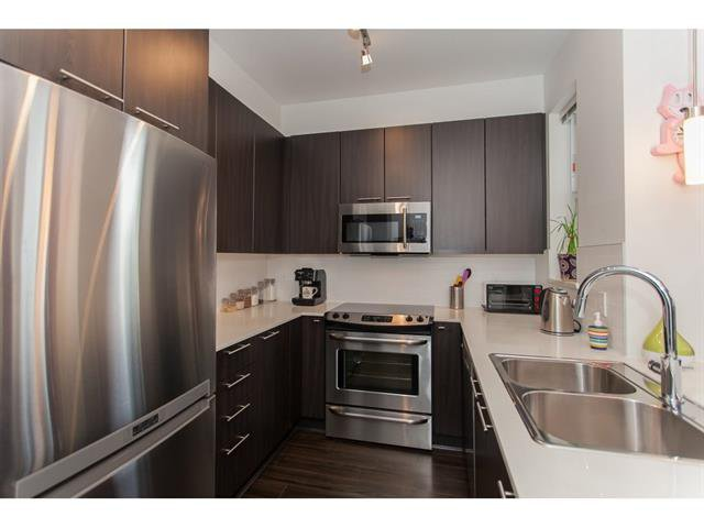 Photo 3: Photos: 55 19433 68 Avenue in Surrey: Townhouse for sale : MLS®# r2153807