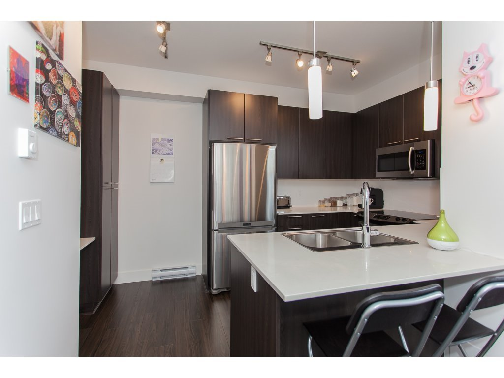 Photo 2: Photos: 55 19433 68 Avenue in Surrey: Townhouse for sale : MLS®# r2153807