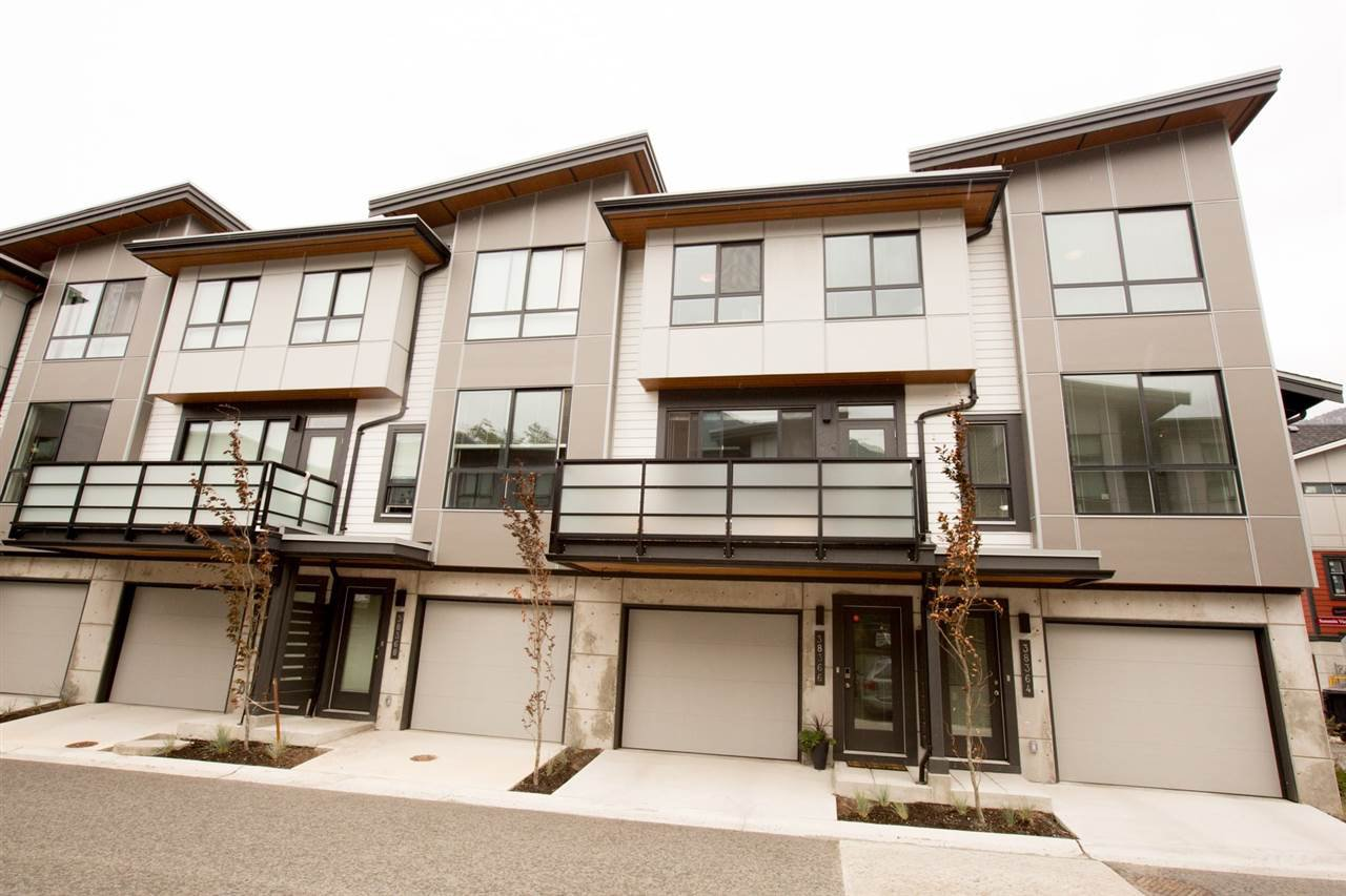 """Main Photo: 38364 SUMMITS VIEW Drive in Squamish: Downtown SQ Townhouse for sale in """"FALLS AT EAGLEWIND"""" : MLS®# R2189614"""