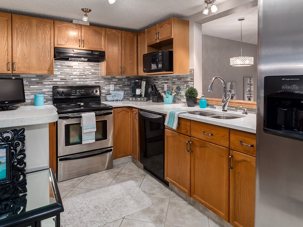 Photo 9: Photos: 22 Lincoln Green SW in : Lincoln Park House for sale (Calgary)  : MLS®# c4143515