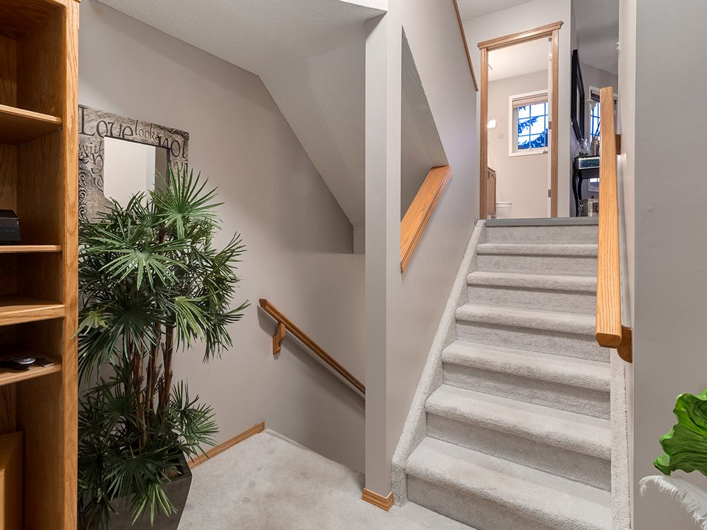 Photo 7: Photos: 22 Lincoln Green SW in : Lincoln Park House for sale (Calgary)  : MLS®# c4143515