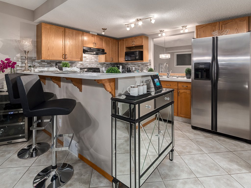 Photo 8: Photos: 22 Lincoln Green SW in : Lincoln Park House for sale (Calgary)  : MLS®# c4143515