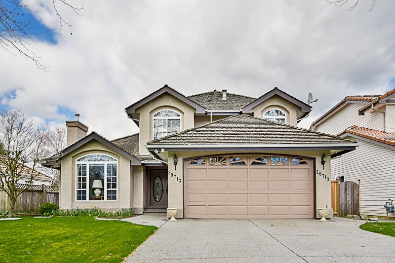 Main Photo: 20713 90 AVENUE in Langley: Walnut Grove House for sale : MLS®# R2151390