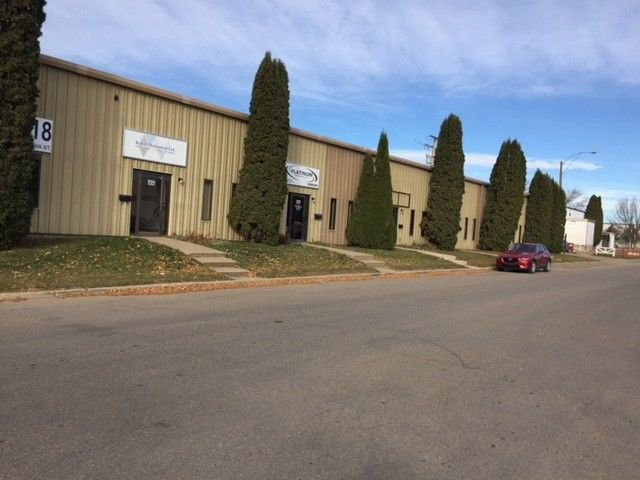 Main Photo: 818 Cynthia Street East in Saskatoon: Airport Industrial Commercial for sale