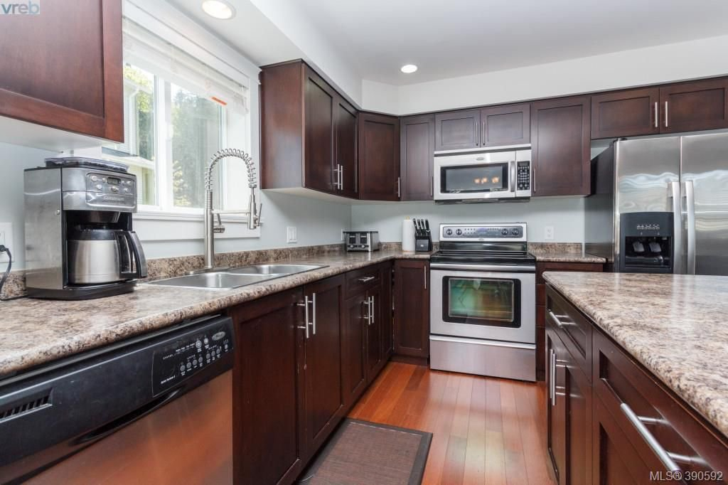 Photo 7: Photos: 204 954 Walfred Road in VICTORIA: La Walfred Townhouse for sale (Langford)  : MLS®# 390592
