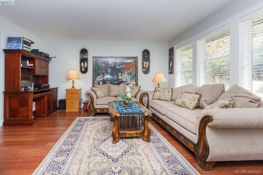 Photo 3: Photos: 204 954 Walfred Road in VICTORIA: La Walfred Townhouse for sale (Langford)  : MLS®# 390592