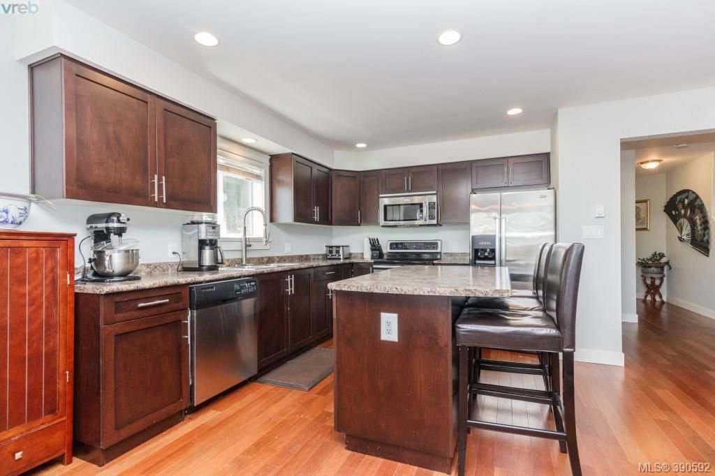 Photo 6: Photos: 204 954 Walfred Road in VICTORIA: La Walfred Townhouse for sale (Langford)  : MLS®# 390592