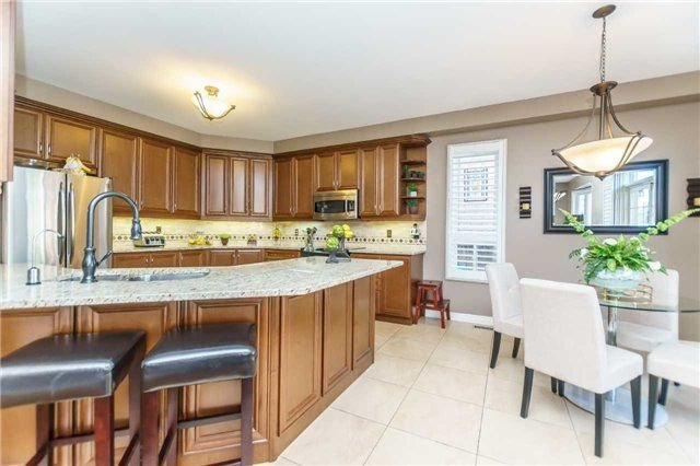 Photo 11: Photos: 81 Helston Crescent in Whitby: Brooklin House (2-Storey) for sale : MLS®# E4126070