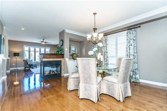 Photo 4: Photos: 81 Helston Crescent in Whitby: Brooklin House (2-Storey) for sale : MLS®# E4126070