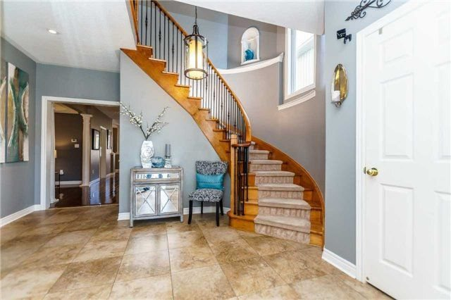 Photo 3: Photos: 81 Helston Crescent in Whitby: Brooklin House (2-Storey) for sale : MLS®# E4126070