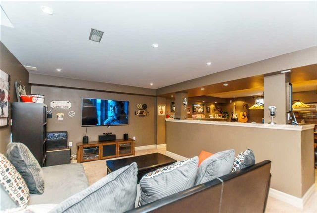 Photo 19: Photos: 81 Helston Crescent in Whitby: Brooklin House (2-Storey) for sale : MLS®# E4126070