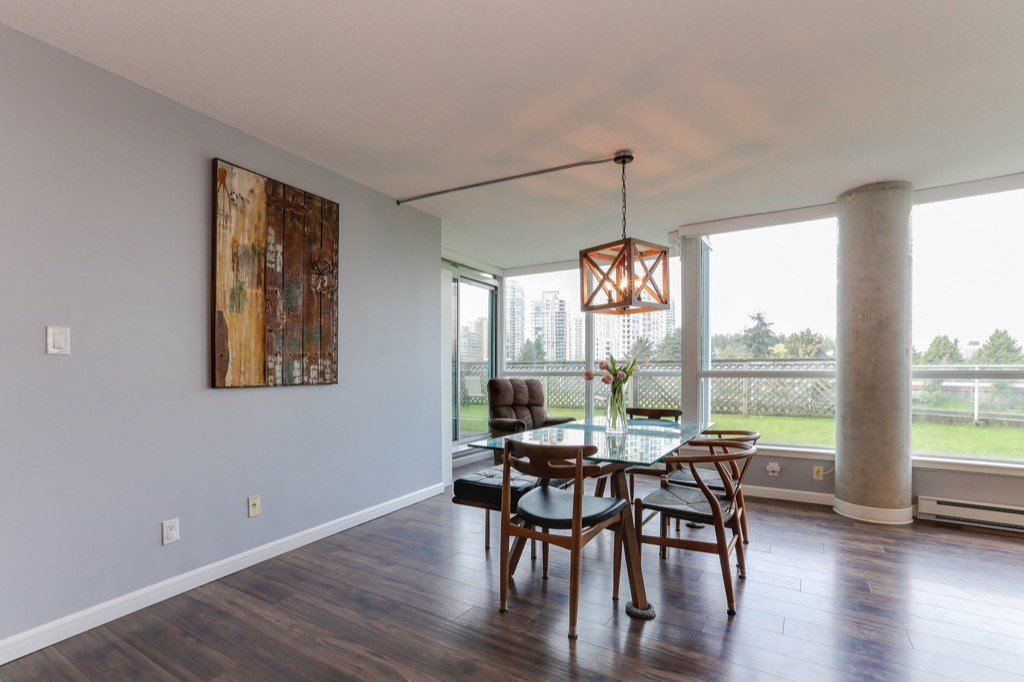 Photo 7: Photos: 516 6028 WILLINGDON Avenue in Burnaby: Metrotown Condo for sale (Burnaby South)  : MLS®# R2361340