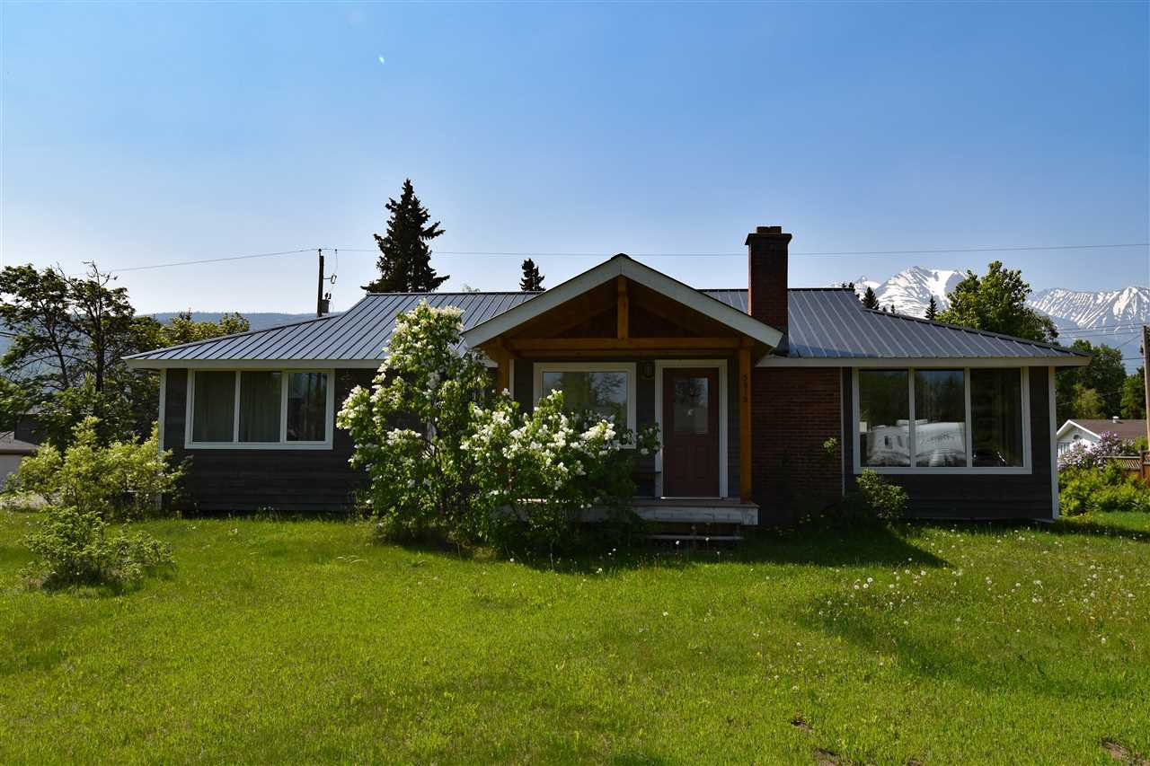 """Main Photo: 3915 12TH Avenue in Smithers: Smithers - Town House for sale in """"Hill Section"""" (Smithers And Area (Zone 54))  : MLS®# R2370725"""