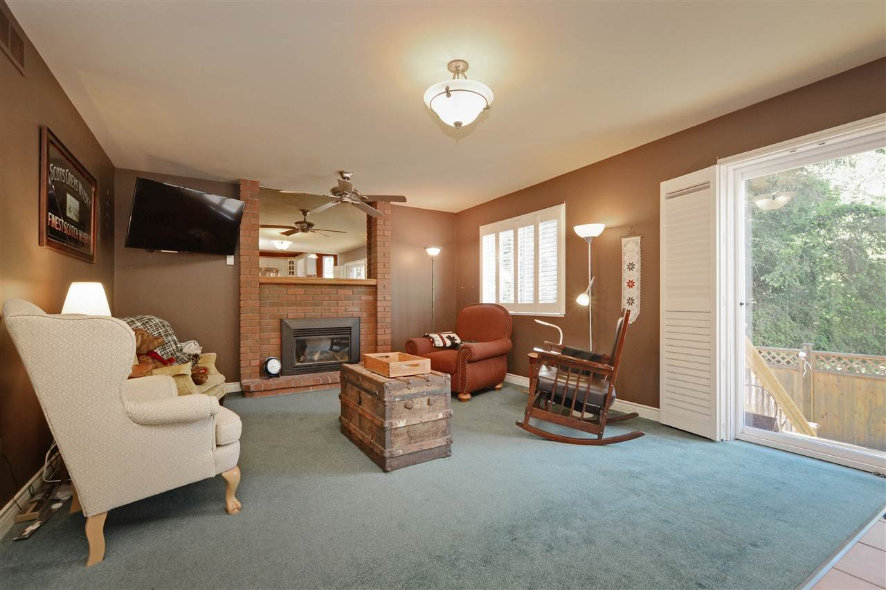 """Photo 11: Photos: 12289 SOUTHPARK Crescent in Surrey: Panorama Ridge House for sale in """"BOUNDARY PARK"""" : MLS®# R2372669"""