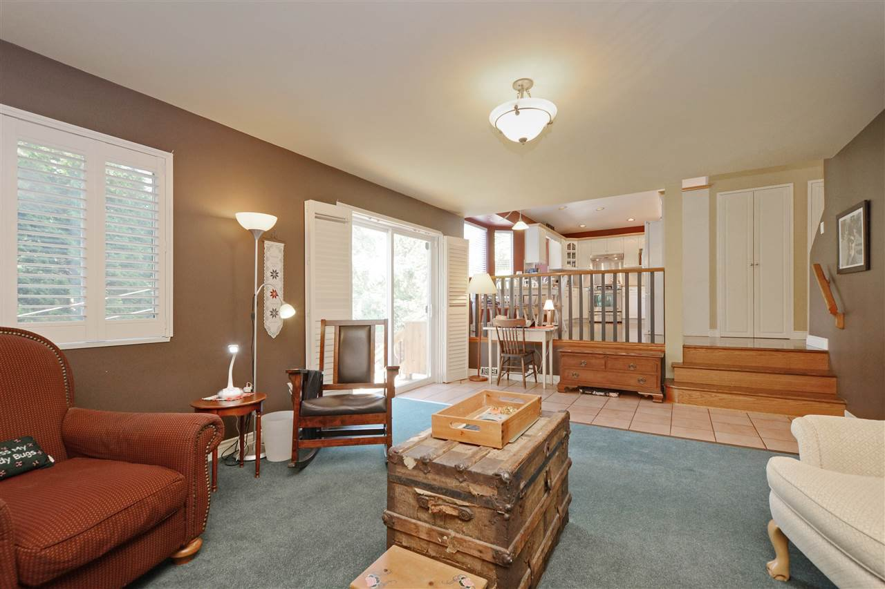 """Photo 12: Photos: 12289 SOUTHPARK Crescent in Surrey: Panorama Ridge House for sale in """"BOUNDARY PARK"""" : MLS®# R2372669"""