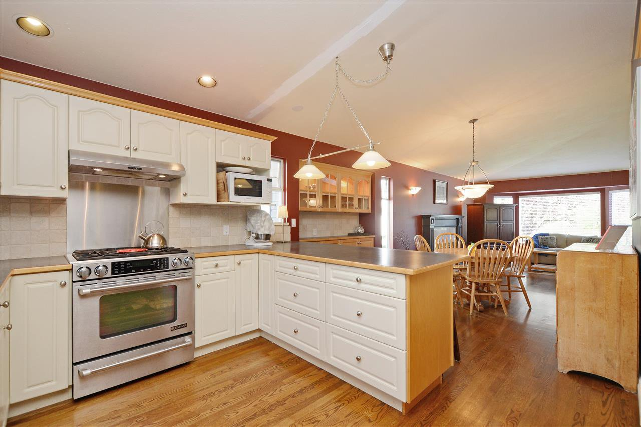 """Photo 9: Photos: 12289 SOUTHPARK Crescent in Surrey: Panorama Ridge House for sale in """"BOUNDARY PARK"""" : MLS®# R2372669"""