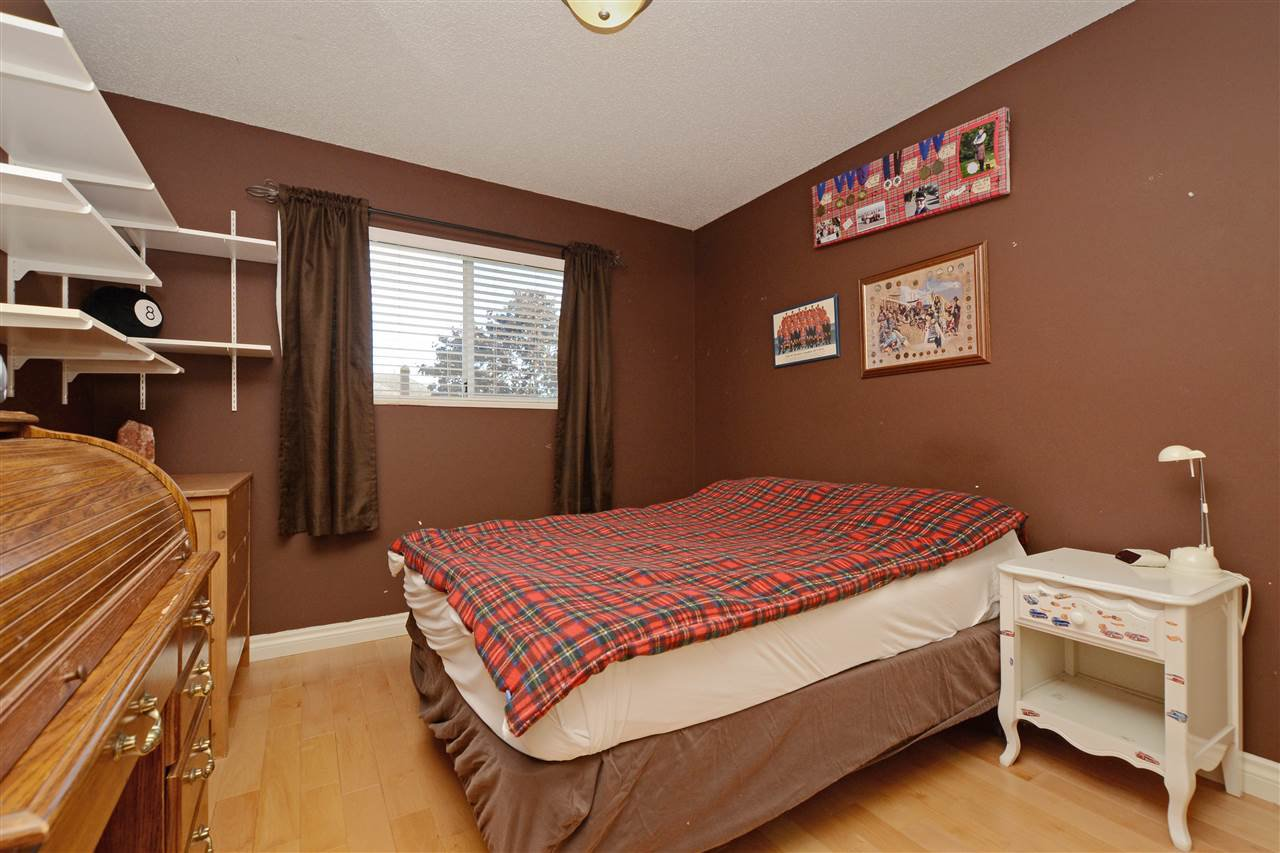 """Photo 15: Photos: 12289 SOUTHPARK Crescent in Surrey: Panorama Ridge House for sale in """"BOUNDARY PARK"""" : MLS®# R2372669"""