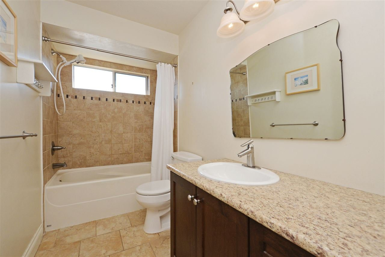 """Photo 17: Photos: 12289 SOUTHPARK Crescent in Surrey: Panorama Ridge House for sale in """"BOUNDARY PARK"""" : MLS®# R2372669"""