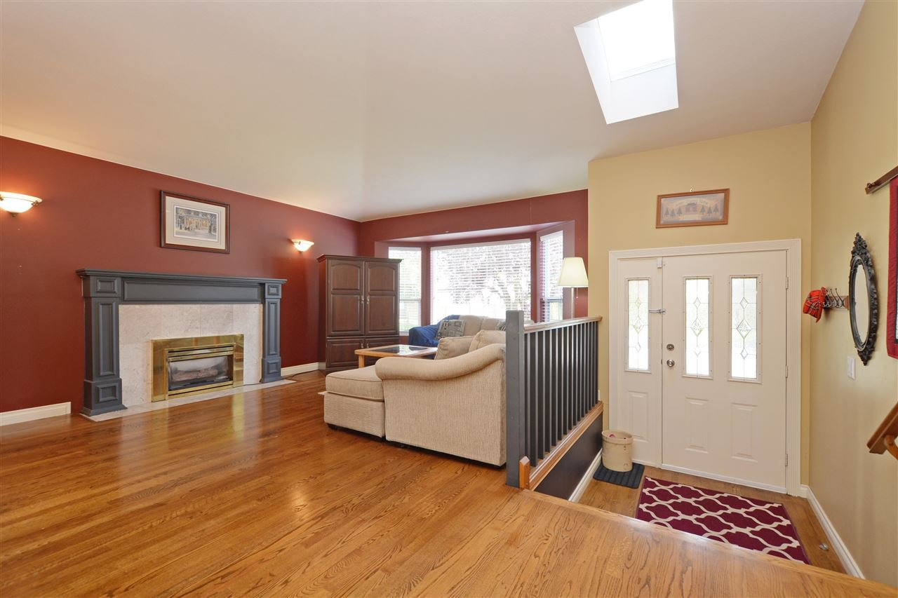 """Photo 4: Photos: 12289 SOUTHPARK Crescent in Surrey: Panorama Ridge House for sale in """"BOUNDARY PARK"""" : MLS®# R2372669"""