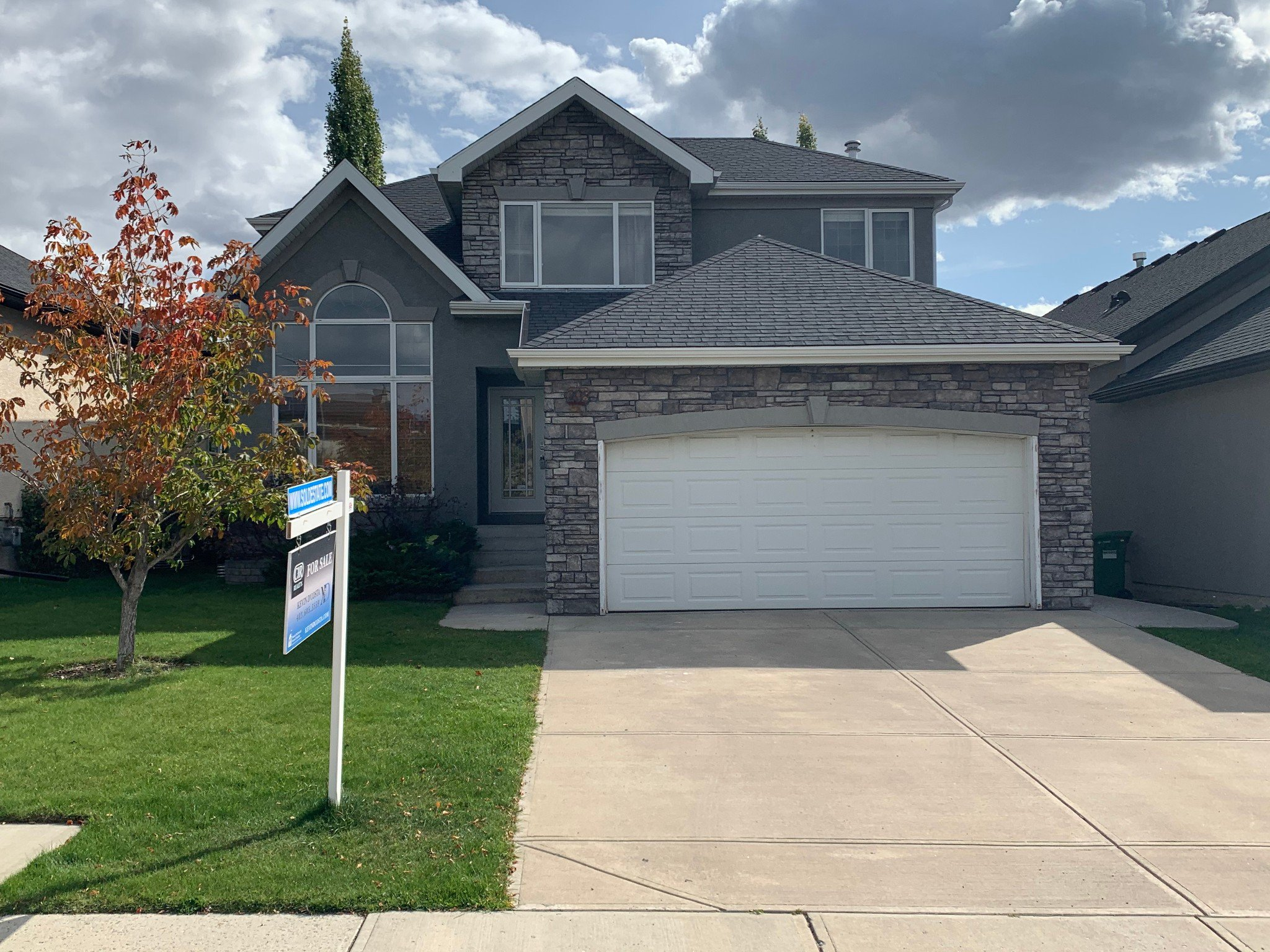 Main Photo: 208 PANORAMA HILLS Way NW in Calgary: Panorama Hills Detached for sale : MLS®# C4258784