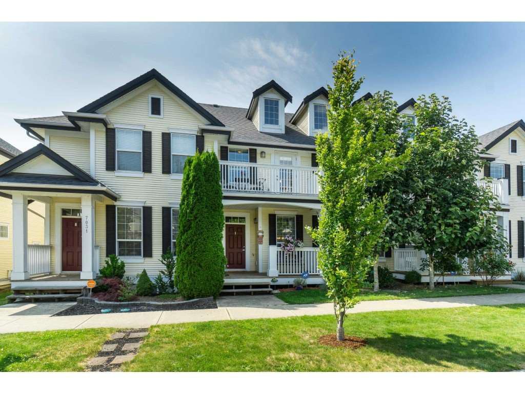 "Main Photo: 7033 179A Street in Surrey: Cloverdale BC Condo for sale in ""Provinceton"" (Cloverdale)  : MLS®# R2392761"