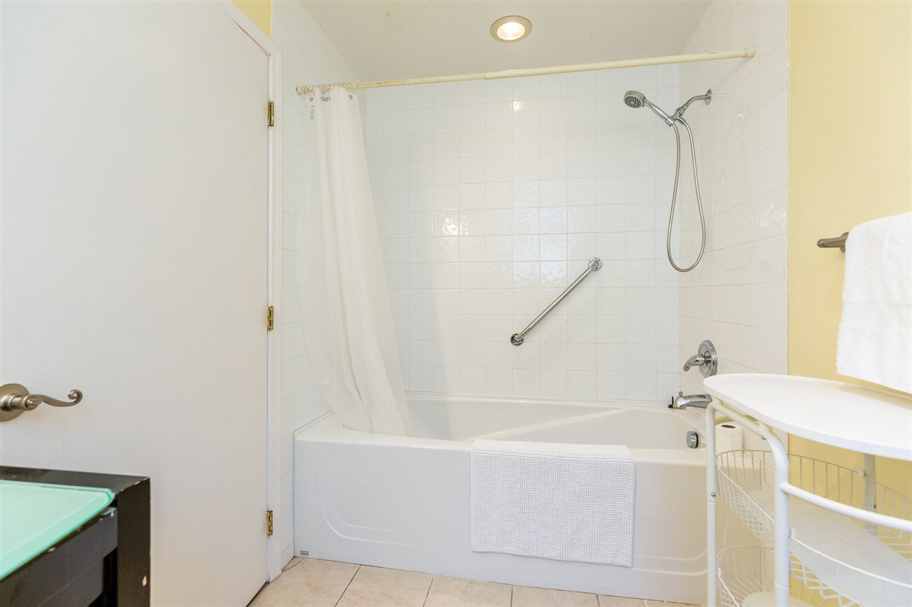Photo 11: Photos: 6651 ALBION Way in Delta: Sunshine Hills Woods House for sale (N. Delta)  : MLS®# R2399440