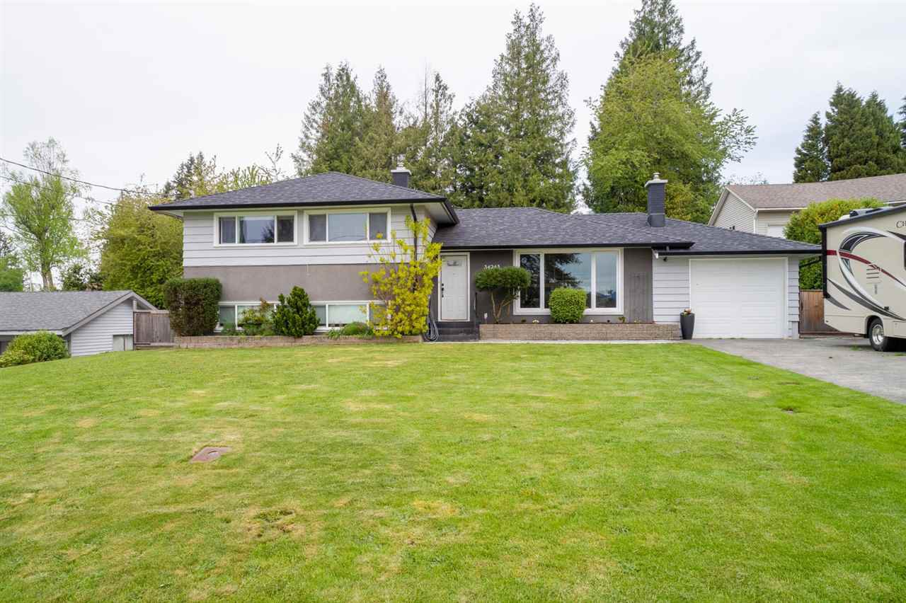 Main Photo: 34243 FRASER Street in Abbotsford: Central Abbotsford House for sale : MLS®# R2454417