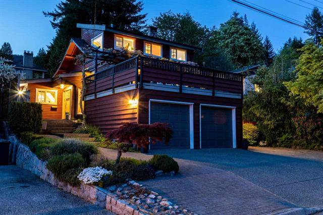 Main Photo: 180 Carisbrooke in North Vancouver: Upper Lonsdale House for sale : MLS®# R2465976