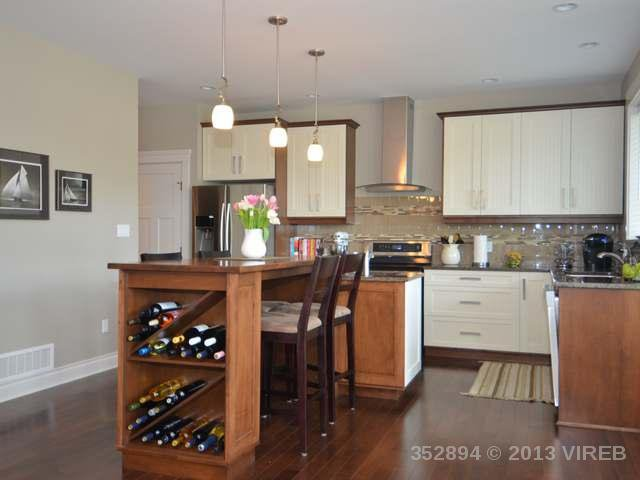 Photo 5: Photos: 2564 MCCLAREN ROAD in MILL BAY: House for sale : MLS®# 352894