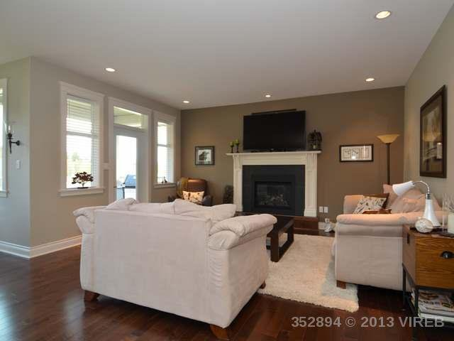 Photo 13: Photos: 2564 MCCLAREN ROAD in MILL BAY: House for sale : MLS®# 352894