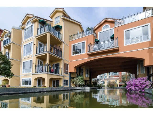 "Main Photo: 112 6 RENAISSANCE Square in New Westminster: Quay Condo for sale in ""RIALTO"" : MLS®# V1111583"