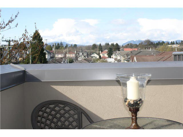 "Main Photo: 401 1550 SW MARINE Drive in Vancouver: Marpole Condo for sale in ""THE CARLTON"" (Vancouver West)  : MLS®# V1115866"
