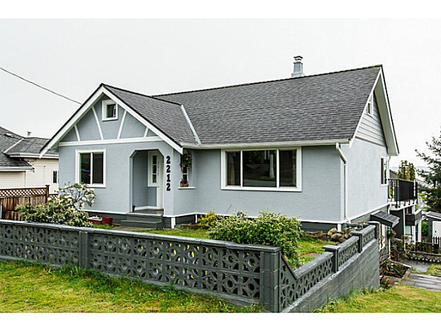 Main Photo: 2212 EIGHTH Avenue in New Westminster: Connaught Heights House for sale : MLS®# V1119564