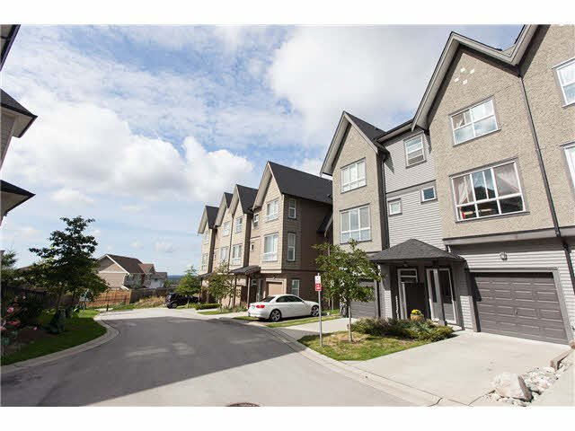 "Photo 2: Photos: 48 10489 DELSOM Crescent in Delta: Nordel Townhouse for sale in ""Eclipse"" (N. Delta)  : MLS®# F1451244"