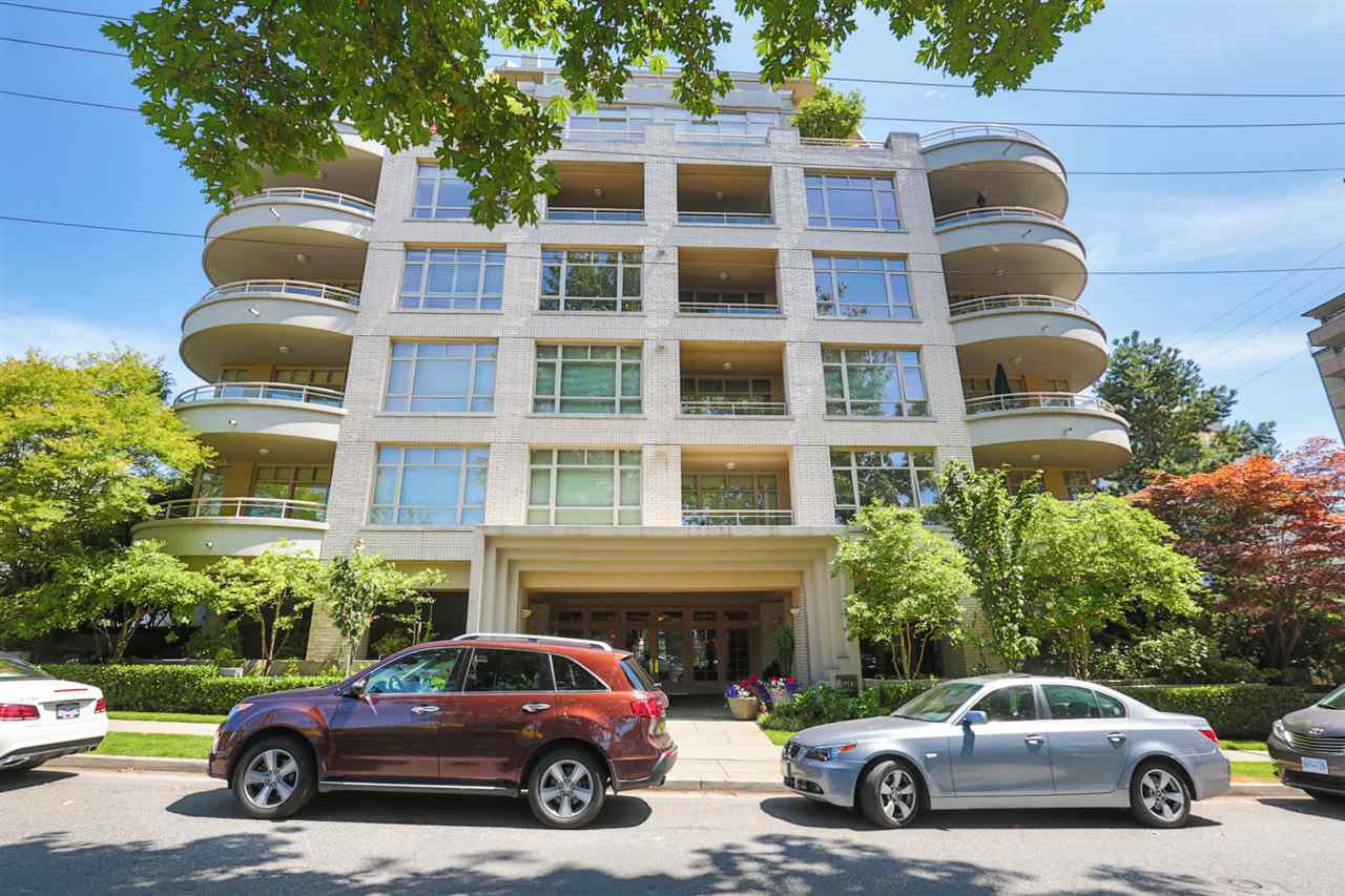 """Main Photo: 307 5700 LARCH Street in Vancouver: Kerrisdale Condo for sale in """"ELM PARK PLACE"""" (Vancouver West)  : MLS®# R2009162"""