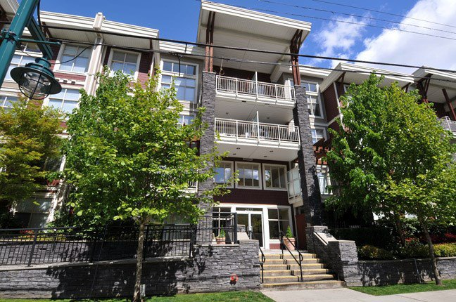 "Main Photo: 313 2477 KELLY Avenue in Port Coquitlam: Central Pt Coquitlam Condo for sale in ""SOUTH VERDE"" : MLS®# R2034912"