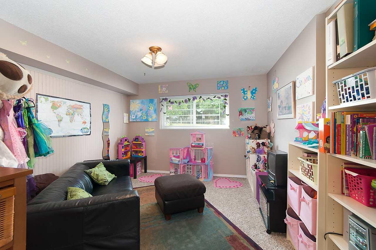 Photo 10: Photos: 11957 92 Avenue in Delta: Annieville 1/2 Duplex for sale (N. Delta)  : MLS®# R2080462