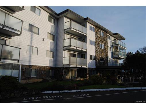 Main Photo: 208 848 Esquimalt Road in VICTORIA: Es Old Esquimalt Condo Apartment for sale (Esquimalt)  : MLS®# 372855