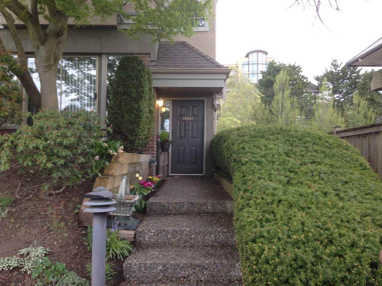 Photo 2: Photos: 15431 RUSSELL Avenue: White Rock Townhouse for sale (South Surrey White Rock)  : MLS®# R2154602