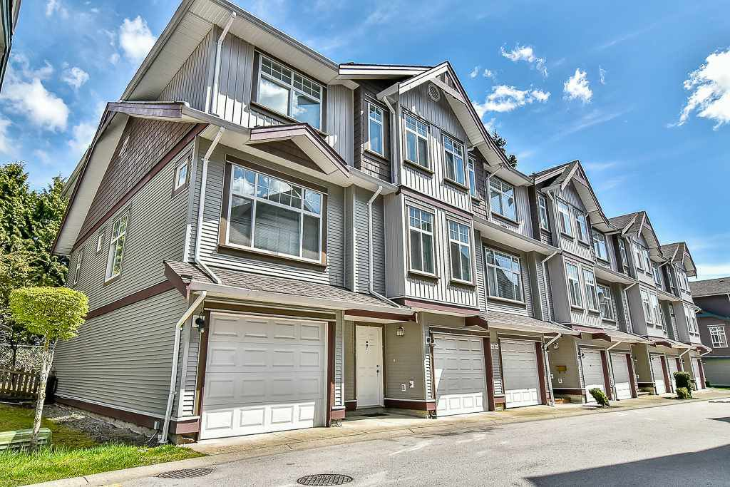 Main Photo: 22 12585 72 Avenue in Surrey: West Newton Townhouse for sale : MLS®# R2160483