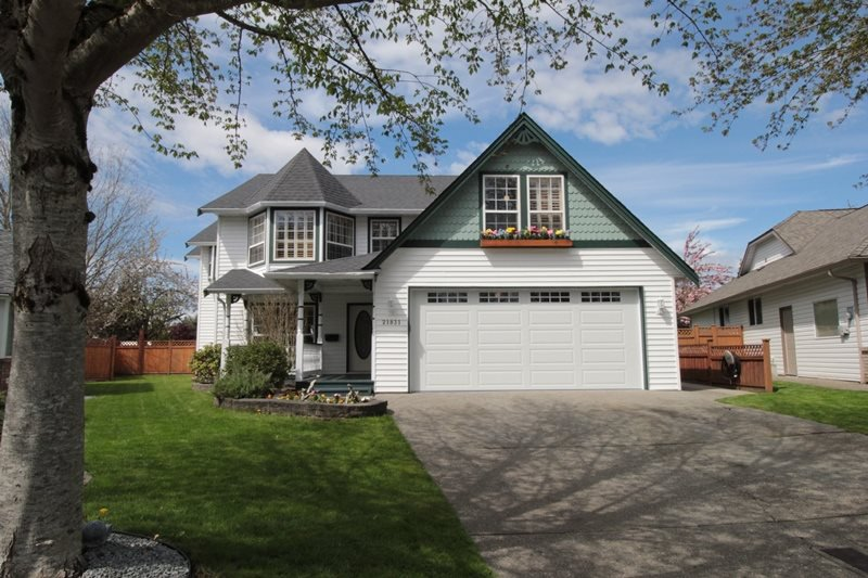 "Main Photo: 21831 44A Avenue in Langley: Murrayville House for sale in ""Murrayville"" : MLS®# R2163598"