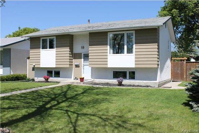 Main Photo: 11 Gretna Bay in Winnipeg: Meadowood Residential for sale (2E)  : MLS®# 1712947