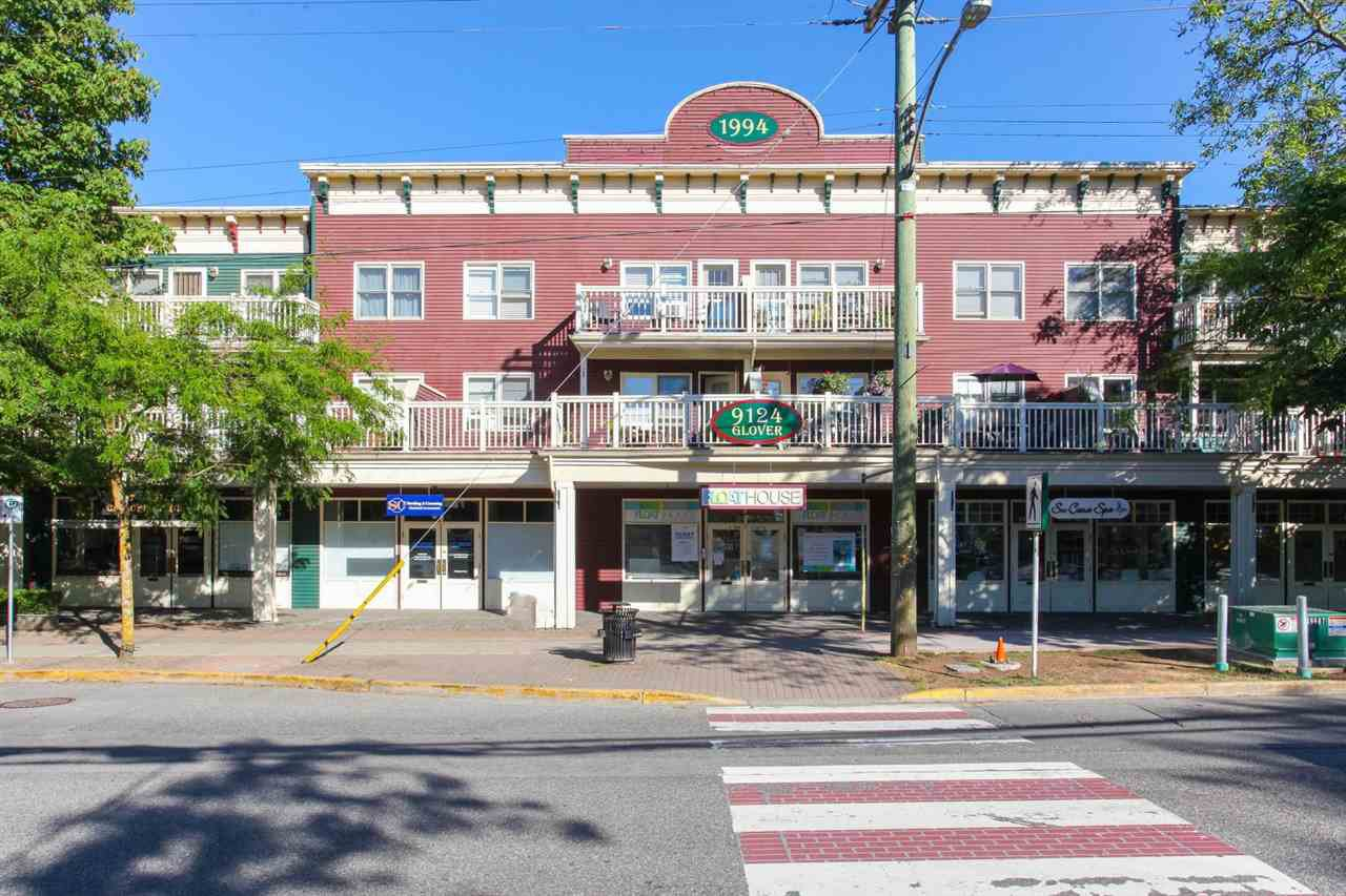"""Main Photo: 203 9124 GLOVER Road in Langley: Fort Langley Condo for sale in """"HERITAGE MANOR"""" : MLS®# R2196383"""