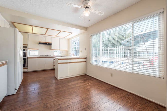 Photo 9: Photos: RANCHO PENASQUITOS House for sale : 4 bedrooms : 12794 Adolphia Court in San Diego